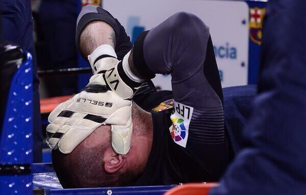 BjtNefPCcAAhsJ7 Losing Victor Valdes to injury is a HUGE blow to Barcelona & bad news for Spain
