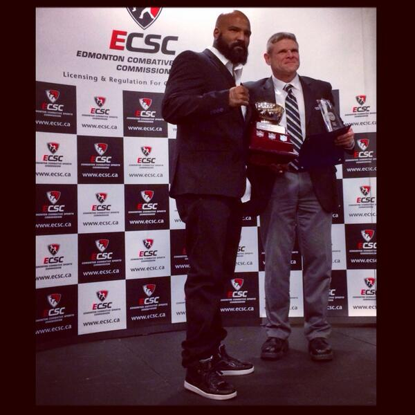 Received Edmonton Fighter Of The Year Award 2013 Was A Long Time Coming But You Know Me Kept It #GDUPFromTheFeetUp http://t.co/qqcgqSOOIU