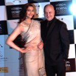 With the ever gorgeous & my favourite @sonamakapoor at L'Oreal Paris Femina Women Awards 2014.:) http://t.co/GeYO7VyzFW
