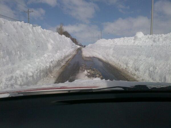The road heading to #Charlottetown #PEI airport RT @RSLivingstone Just when you think you've seen the worst of it... http://t.co/V2ZDg54Yyh