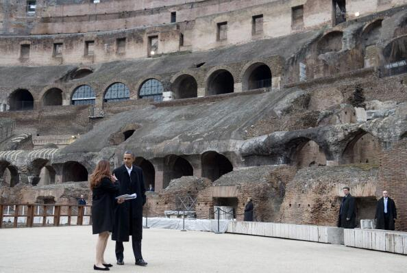 Obama at the Colosseum #rome #Italy #ObamainItalia  (Getty Images) http://t.co/SsZ32FE903