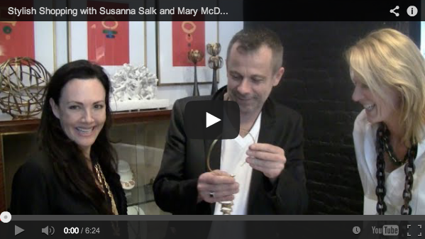 Stylish shopping! Join me, the fab @ssalk & @quintessenceblg at fav chic shopping spot. Video: http://t.co/5WVM1Lhjo8 http://t.co/LMlDTEwVbK
