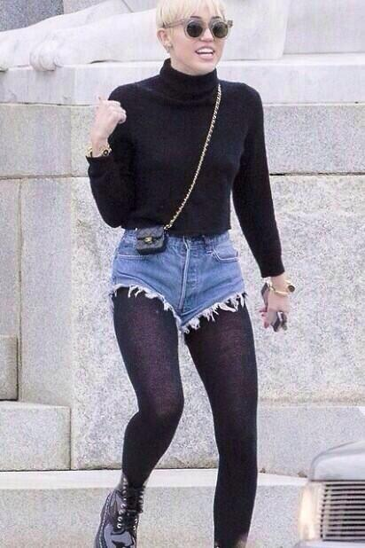 Do u need a bigger bag Miley or are u ok mate????