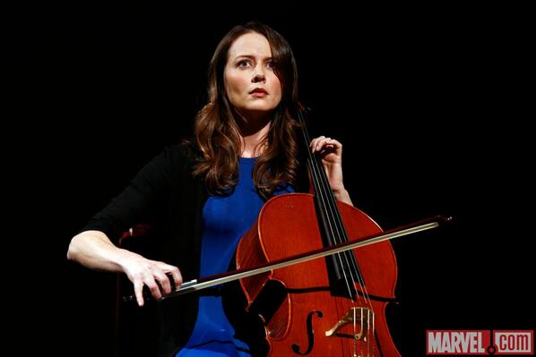 First look at Amy Acker as The Cellist in Agents of S.H.I.E.L.D. http://t.co/A9e9KIUjoa