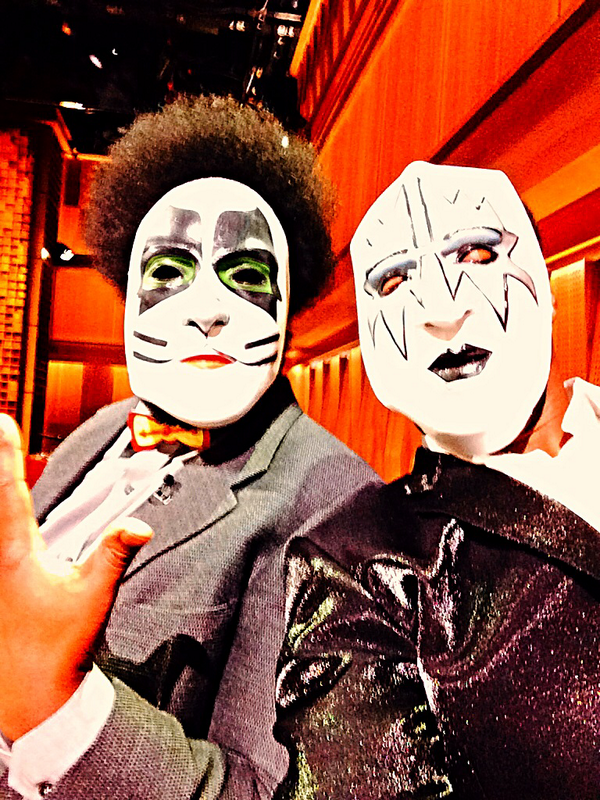 legendary rock band KISS is on da show tonight - so we started our own new band -KISS THE ROOTS! #Fallontonight http://t.co/mRmnfJ8vfK