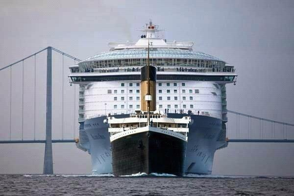 A size comparison between the titanic and a modern cruise ship http://t.co/NOKtkib7Fl