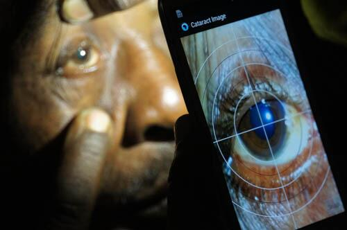 Photo of the Year:Cataract diagnosis in Kenya using a smartphone.See more on our new Instagram http://t.co/FlpWbeImnk http://t.co/4t5w4OSDOy