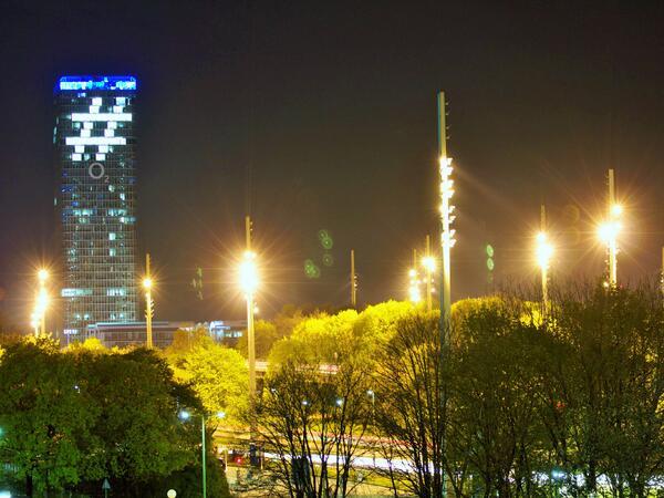 #YouCanDo: Habt Ihr auch den riesigen #Hashtag am o2 Tower gesehen? Mehr Infos hier: http://t.co/zNgEXErKJF (MG) http://t.co/vweDaR5AC7