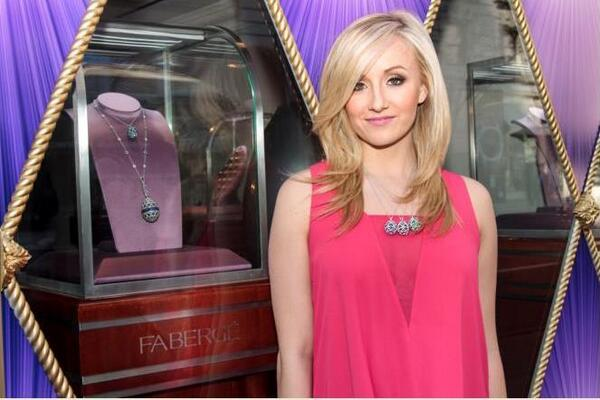 .@NastiaLiukin, 5 time Gold Medal Olympian, models the @OfficialFaberge prizes for @TheBigEggHuntNY at the boutique! http://t.co/mmPTa1vSZZ