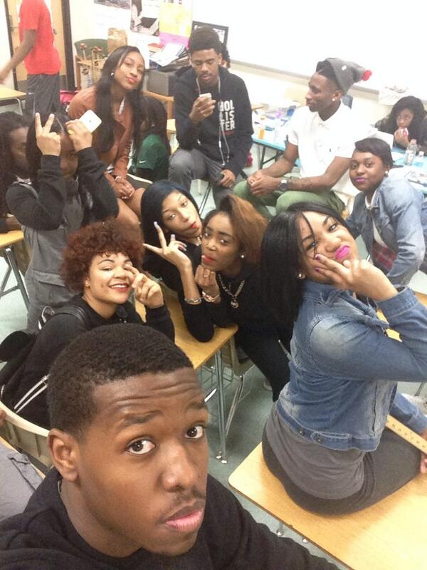 Selfie with my scholars http://t.co/KR6j0t70M1