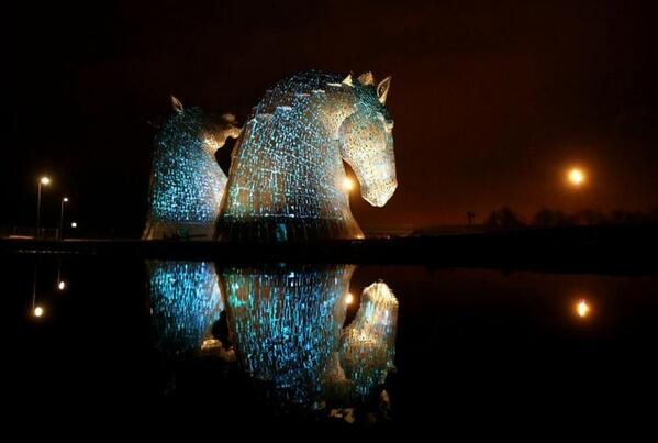 I was fortunate enough to see The Kelpies lit up on Monday night. An astonishing piece of public art http://t.co/DEfyIbsjmK