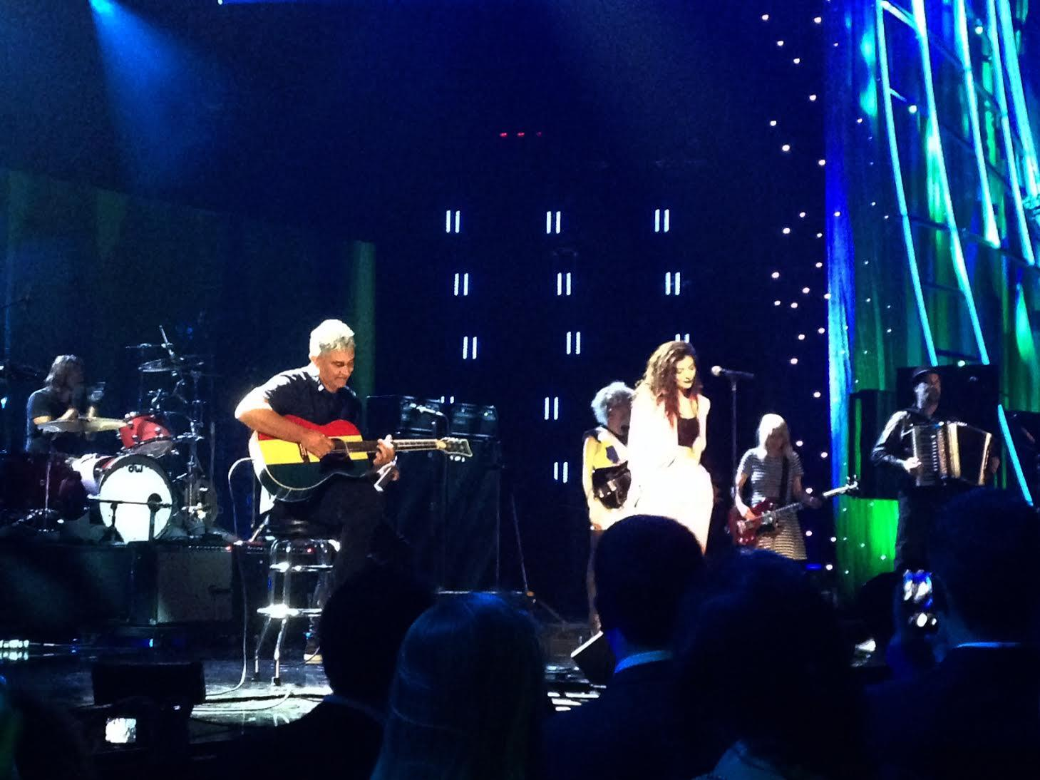 """Lorde joined Nirvana's Dave Grohl, Krist Novoselic and Pat Smear to perform """"All Apologies"""" at #RockHall2014 http://t.co/L97xgEuXRM"""