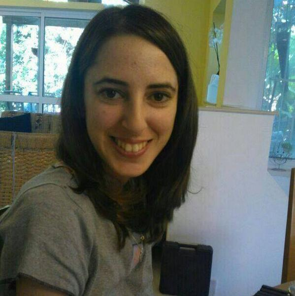 אנו מבקשים את עזרתכם בחיפושים אחר הנעדרת יפעת איימי אלירז, בת 27. כל היודע פרט על מקום הימצאה מתבקש להתקשר למוקד 100 http://t.co/561lZ1YcuV