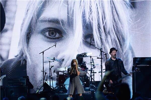 """@subsidtone: Photo of @KimletGordon fronting @Nirvana at the Rock & Roll Hall of Fame induction last night #Nirvana http://t.co/EbFEqOO1B6"""