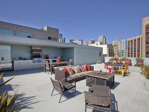Ruimte in de stad in schaars?  Veel #daken zijn onbenut terwijl je er lekker op kan genieten met een #dakterras http://t.co/nlGkquMDj6