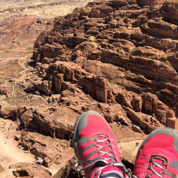Hiking above Petra. || #tryingstuffinjordan #shareyourjordan #petra @columbia1938 #hiking @visitjordan http://t.co/80lhOW3R2Z