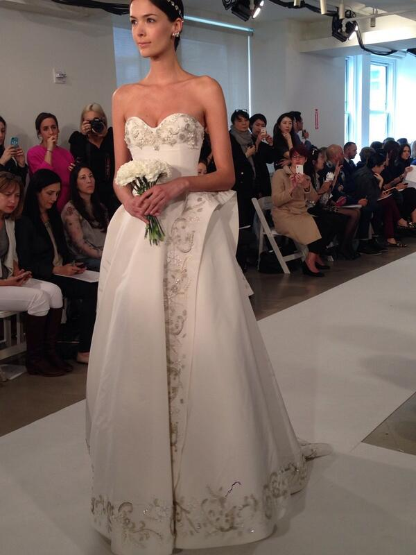One of many stunning gowns at Oscar de la Renta Bridal this morning @OscarPRGirl http://t.co/nIKvuszQiv