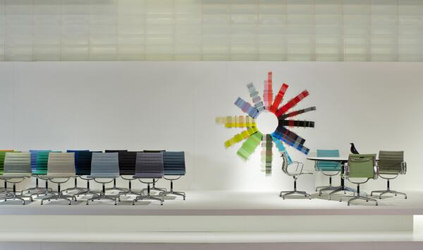 New colours for the Aluminium Chair! More about the long success story of a universal chair at http://t.co/aTXXqTZJpy http://t.co/GPpcP8NwSM
