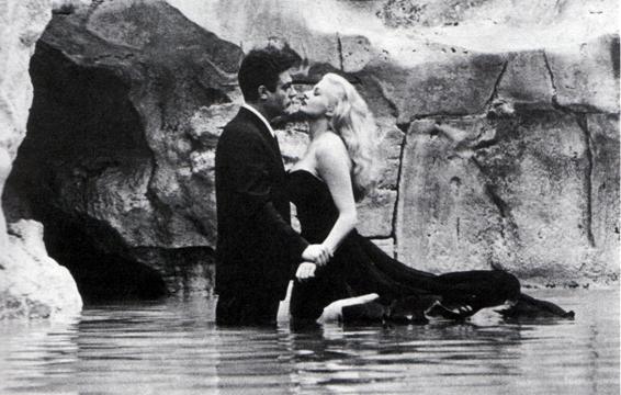 "Italian & movies: ""La dolce vita"" by Federico Fellini #italiancinema #studyitalian #italy http://t.co/lRUjDQGscR http://t.co/wia6ZYaSLt"
