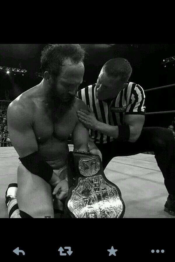 Thought this was a cool pic!! So very happy for New TNA Champion @ShowtimeEY !! This is me consoling him! #proud #123 http://t.co/rUg6ceS2En