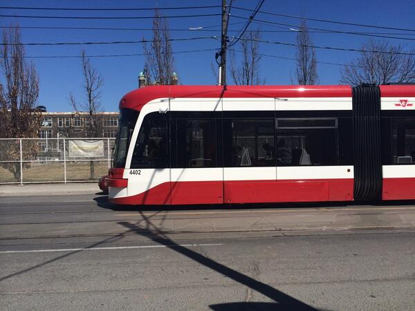 New streetcar going north on Bathurst. They look bulky yet beautiful http://t.co/S3EwIEUR5p