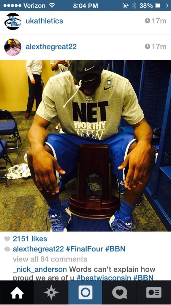 I love this picture of Alex Poythress. This has to mean a lot to him after last year http://t.co/JHexRcCE4H
