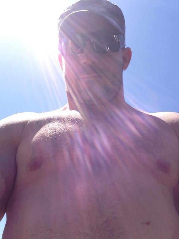 STR8cam Jeff (@str8cam): Just left the beach. Got a few hours sun today after lunch http://t.co/zjNfy82BVN