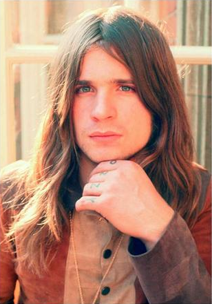 This is how Ozzy Osbourne used to look like when he was young. http://t.co/Yamsi0dRWU