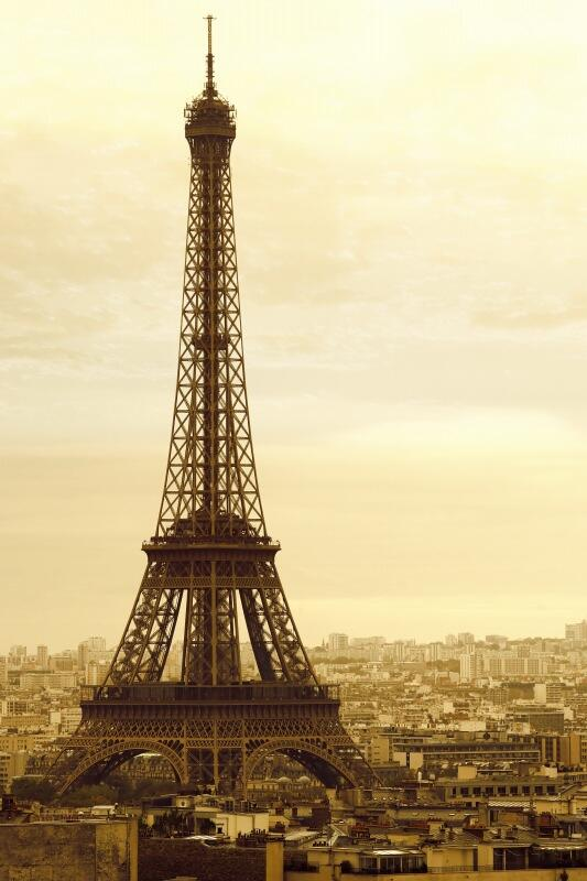 A very happy birthday to the #EiffelTower that turns 125 today! http://t.co/sWFUXL6RI4