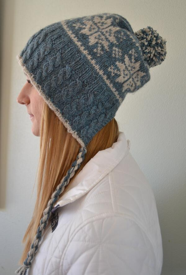 Split Back Snowflake Hat ~ pattern now available! Thanks to @quinceandco @MaryJaneM http://t.co/NNLOrdncPx #fb http://t.co/D1fZjgP5b0
