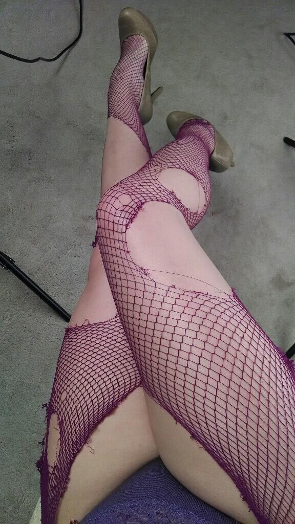 Poor fuschia fishnets, I loved you so much. But you were sacrificed in the name of fetish porn. #legs