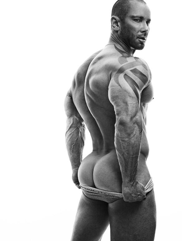 Let me think . . . What could I post to get me to 10,000 followers? Hmmmmmm @rickdaynyc http://t.co/mFdgEzkrFE