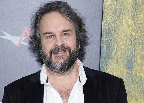 Peter Jackson's private jet has joined the search for the missing flight MH370 :http://t.co/Mn9VD4JtFb http://t.co/KO4YzAnIjl
