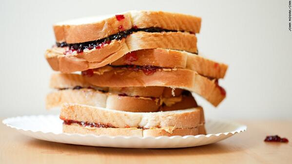 It's peanut butter jelly time! #PeanutButterandJellyDay  http://t.co/Ix9DhVBBvd http://t.co/DeY0xIy9jX