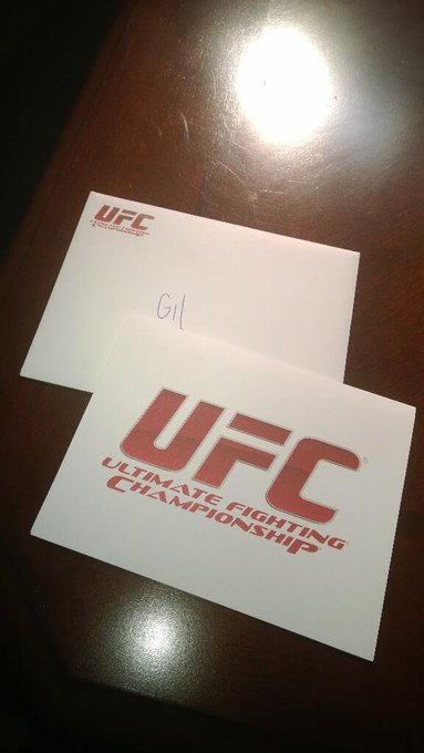 Got my @ufc swag! BIG Thanks to @kfish007girl and everyone at @ufcfightclub You guys are awesome! http://t.co/61nOE0N2Lo