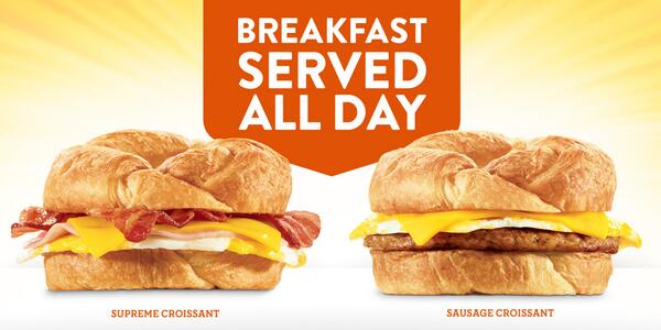 While @TacoBell + @McDonalds fight over who's king of breakfast before 11AM, I'll be serving my breakfast all day. http://t.co/tJRrkThacb