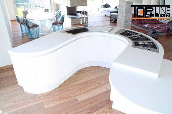 Would you like this Corian® thermoformed countertop by Valmobil in your kitchen? http://t.co/s92C14ZuoQ