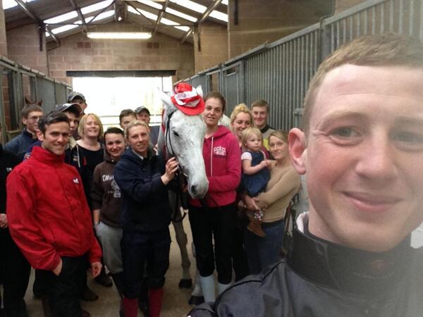@RacingPost @TheJockeyClub Swing Bill with big race jockey Conor O'Farrell and the Pond House team. #OurGrandestTeam http://t.co/ZnKisqzyQk
