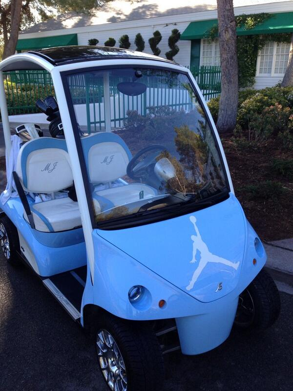 Michael Jordan's NC blue cart ready for his 9:30 tee time #MJCI http://t.co/vaoTnH9RfU