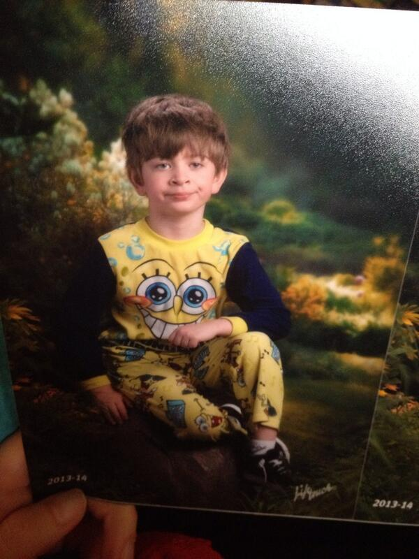 His mom mixed up pajama day and picture day http://t.co/oS7xLNhCe2