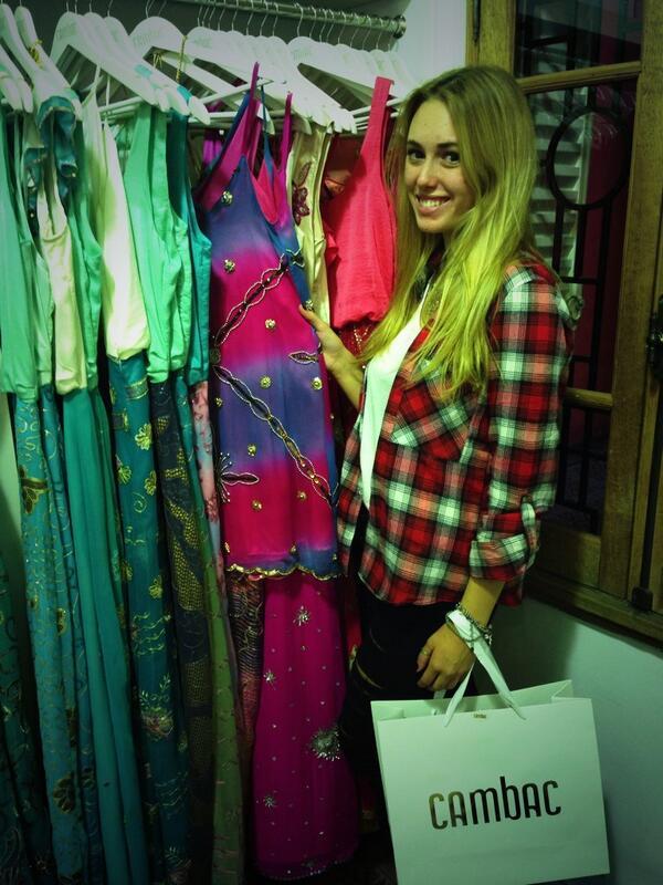 Genial visita de la top model @JulianaKawka Gracias por tu alegría. http://t.co/wXQ7hAQ7en
