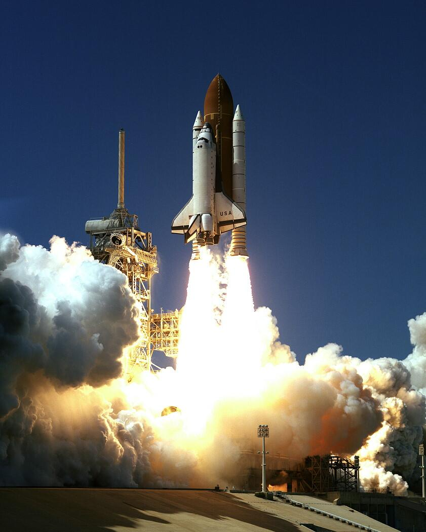 STS-83 Columbia lifts off #now in 1997, but the mission is cut short after 3 days due to a faulty fuel cell. http://t.co/F87jf8O1Vl