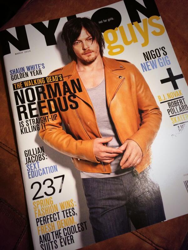 実は昨日まで海外出張に行っていました。雑誌売場でいろいろ買い込んできたなかで、いちばんのお気に入りはこれ!ノーマンさんの来日記者会見の記事は、春夏号でも載せています。個人的には、表紙にしたかったわ… http://t.co/V8wE3QQihY