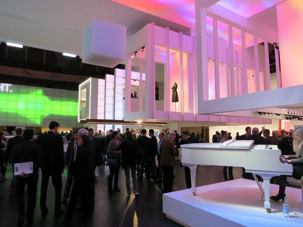 ドイツ・フランクフルトにて3月30日〜4月4日まで開催されているLight+Building2014の取材に行ってきました。  世界各国から建築と照明の技術が集まる見本市。詳細レポートは、商店建築6月号(5/28発売)でご紹介予定! http://t.co/ZMlx9tKZs3