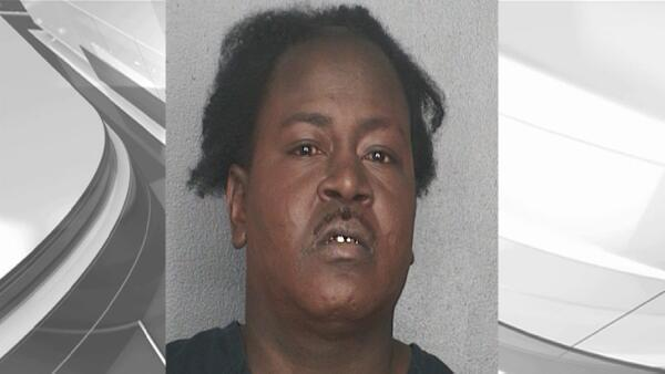 Rapper Trick Daddy arrested for possession of cocaine, firearm, ammo: BSO: http://t.co/dwG4ek0RtL http://t.co/2o1m5bICaR