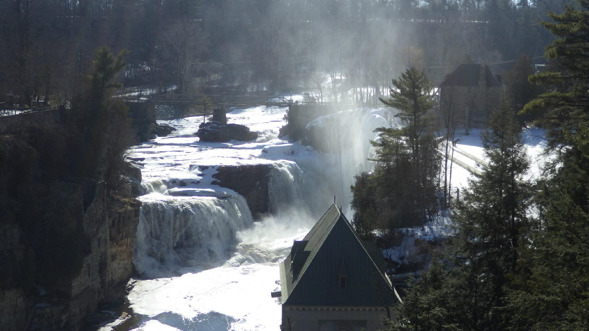 Ausable Chasm on a beautiful spring day. #adirondacks http://t.co/rTjCiOvqYP