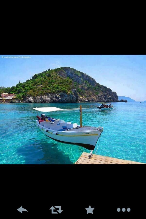 RT @Alghufailyali: @TravelerPedia  جزيرة كورفو _ اليونان  تقع شمال غرب اليونان http://t.co/5LvNQZUXbj