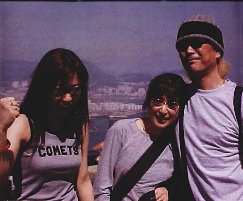香港へビデオ撮影に行ったとき、自由時間があったのでビクトリア・パークで。teruzane RT @torataminmi この3人お揃いの写真が好きなのですが、いつどこで撮影されたのでしょうか? http://t.co/AUXP6ynyrY