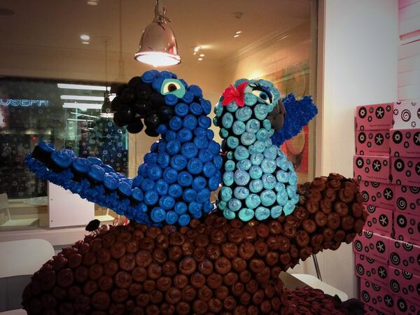 Our Rio2 cupcake sculpture!! It was so much fun to make Blue and Jewel!!! #DCCupcakes #Rio2 http://t.co/cea2MJ5XG7