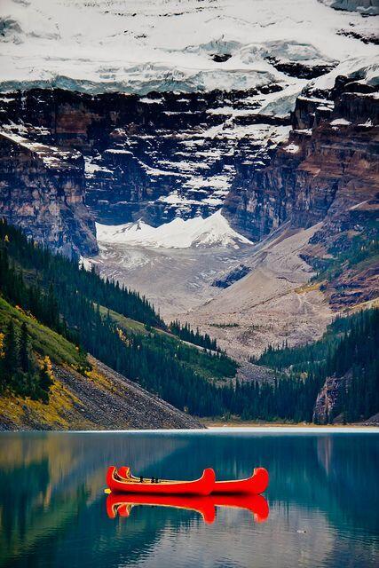 بحيرة لويز، كندا - Lake Louise, Canada  #معلومات_سياحية http://t.co/4bw59P3GBj